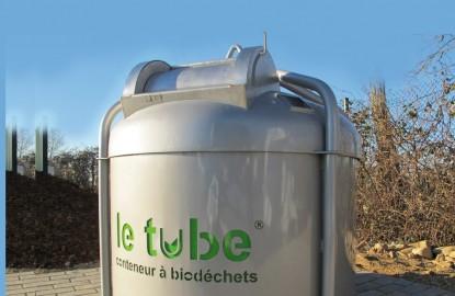 Schroll fait un tube avec des biodéchets