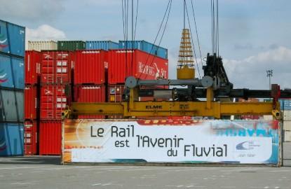 Le Rhin a fait refluer le port de Mulhouse