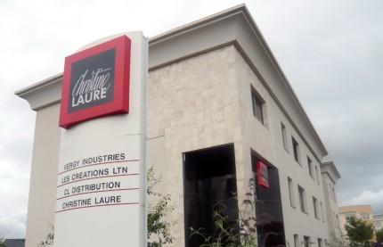 Christine Laure étoffe son tissu de boutiques