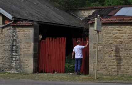 Jeu de coloriage géant dans un village de Bourgogne