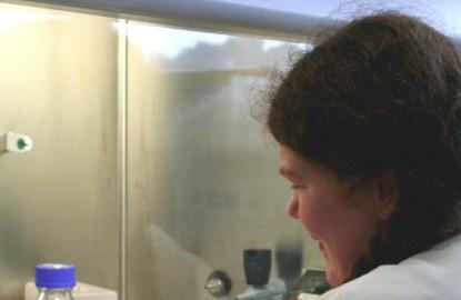Apex Bio Solutions passe à la loupe les microbes