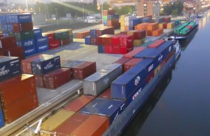 Le transport conteneur fait des vagues sur le Rhin