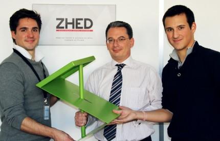 Mobilier : Zhed ou l'art de plier la tôle