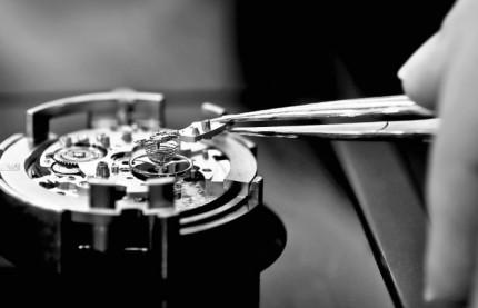 Jura suisse : la manufacture horlogère Tag Heuer ne peut se passer des frontaliers