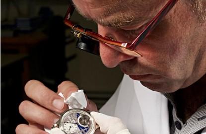 Horlogerie: les Francs-Comtois peuvent-ils encore travailler pour les Suisses ?