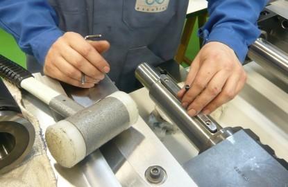 EDF et l'Union des Industries et Métiers de la Métallurgie (UIMM) créent une Ecole de production à Chalon-sur-Saône