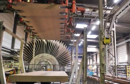 Egger injecte 60 millions d'euros en trois ans dans son usine de panneaux mélaminés dans les Vosges