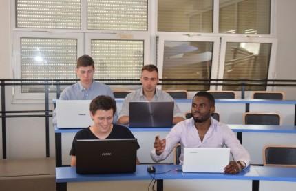 Ils deviennent ingénieurs par l'apprentissage avec l'Institut des techniques d'ingénieur de l'industrie (ITII) d'Auxerre et témoignent