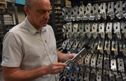 ETS 90 réinvestit dans son outil de production et vise le label ISO 9000