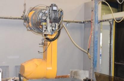 Près de Besançon, Perrin Aqua Découpe robotise la découpe par jet d'eau
