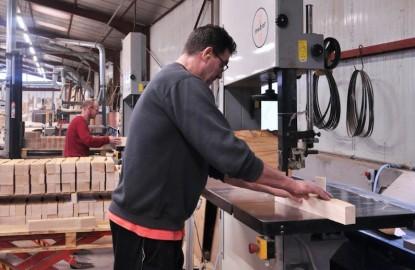 En Lorraine, la manufacture Collinet numérise sa fabrication de sièges et de meubles haut-de-gamme