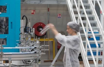 Les frères Allemandou inaugurent avec Frapak leur seconde usine de plasturgie à Sens en association avec Marjolein Putter