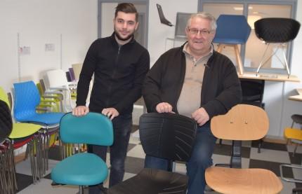 Joël Binetruy, dirigeant de Siège and Co à Besançon, prépare la transmission de son entreprise à son apprenti, Lucas Quarto