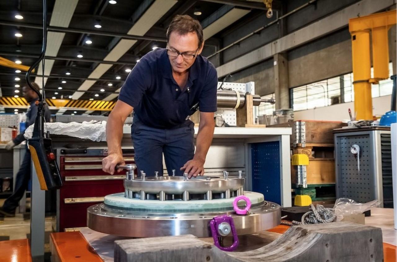 Cryostar recrute des ingénieurs, des techniciens, des mécaniciens, des électriciens...