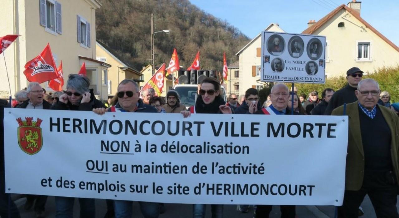Samedi 23 février, la commune d'Hérimoncourt, dans le Pays de Montbéliard, était déclarée « ville morte », en réaction au projet de PSA de fermer son usine de pièces de rechange dans cette commune du Pays de Montbéliard. ©Page Facebook Christine Besançon