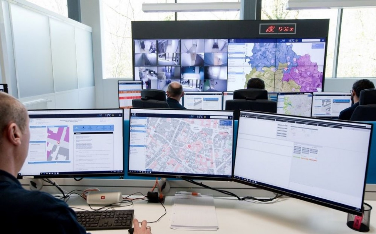 Circulation, éclairage public, sûreté sécurité, GTB des bâtiments, gestion des interventions de la police municipale, sont réunis sous un même toit.  © Jean-Christophe Tardivon.
