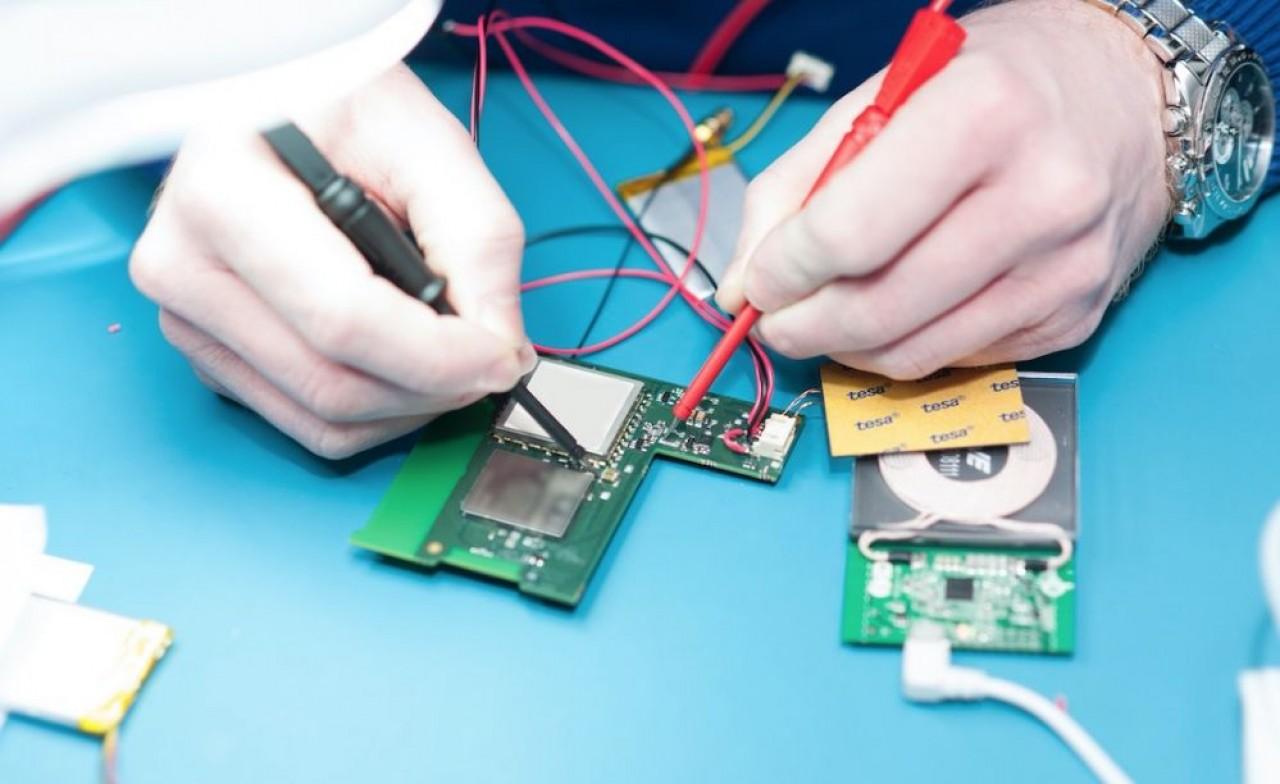 Le dispositif électronique qui se place à l'intérieur du boîtier. © Pierre-Yves Ratti