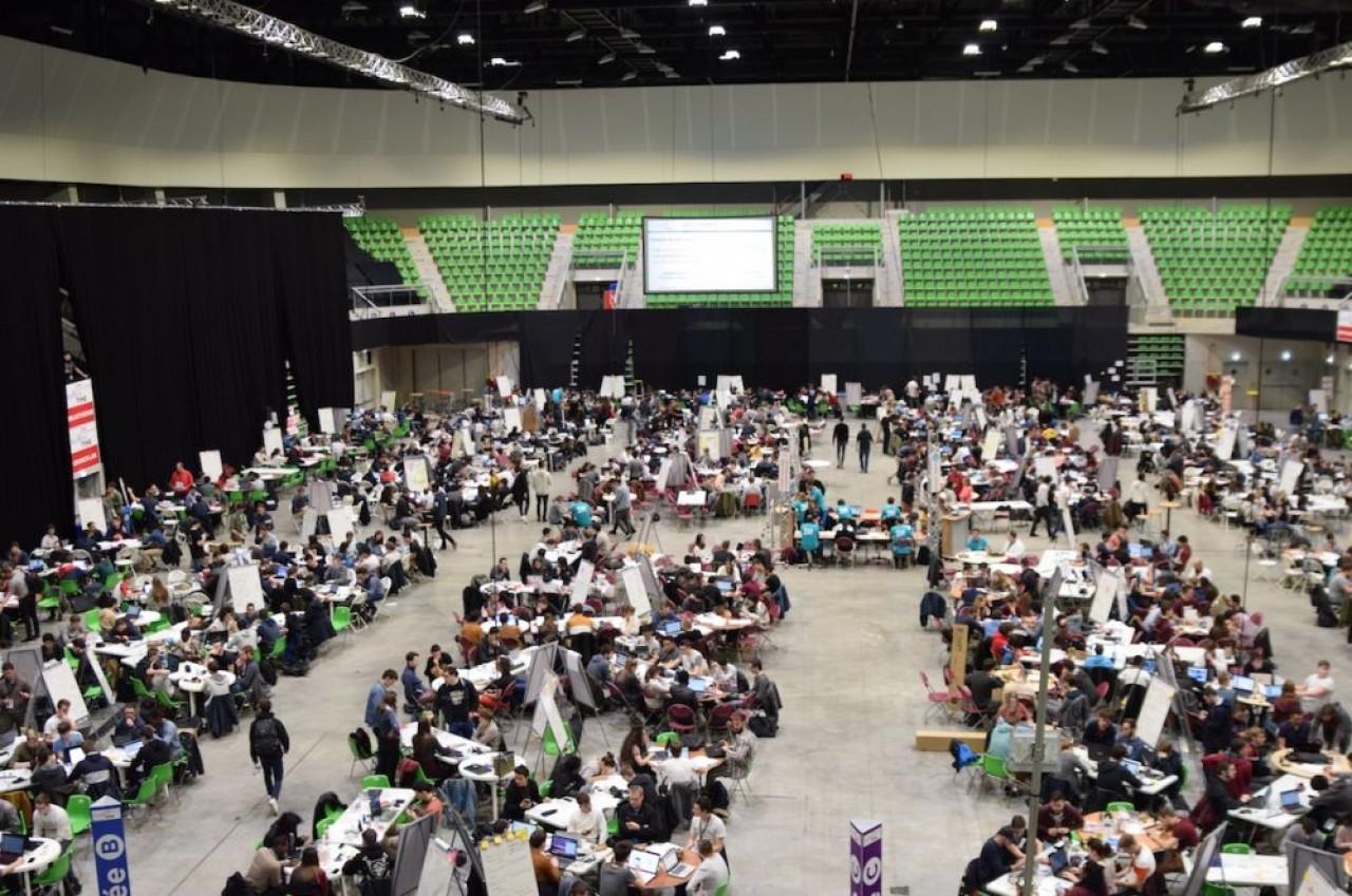 Pas moins de 1.600 élèves-ingénieurs ont phosphoré cinq jours durant pour résoudre 164 thématiques R&D. © Traces Écrites.