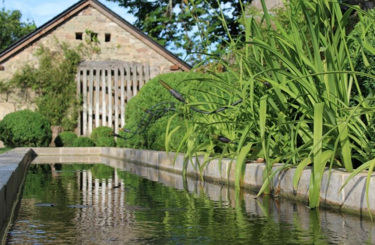 « L'intervention du paysagiste peut se limiter à une haie, à une allée ou comprendre l'aménagement complet d'un jardin avec son entretien », expliquent les dirigeants de V2G Paysages, près de Beaune.