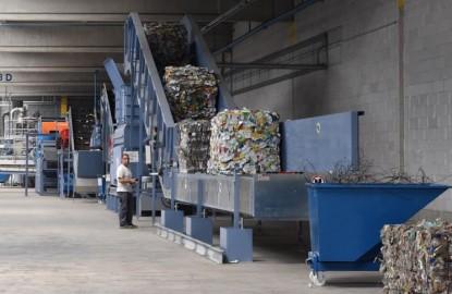 Soprema met du plastique recyclé dans l'isolation de la maison