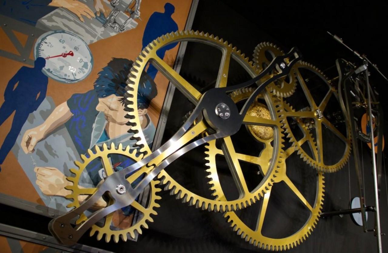 Calame, oeuvre bicéphale signée de l'horloger Philippe Lebru et du peintre Renato Manese résume l'histoire de Cryla, de l'horlogerie aux microtechniques.