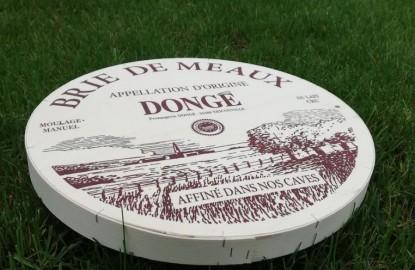 Dernière fromagerie indépendante de la Meuse, Dongé affine sa stratégie à l'heure du renouvellement de l'AOP Brie de Meaux