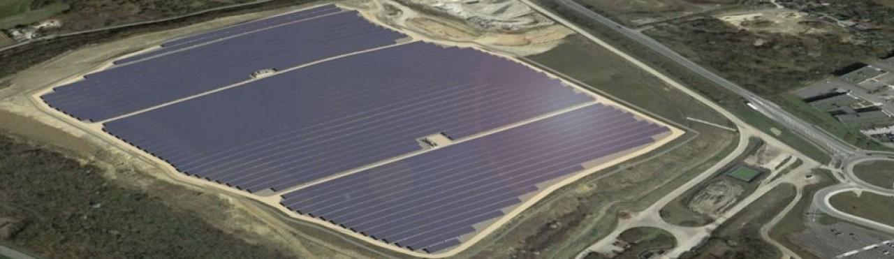 La future ferme photovoltaïque de Dijon Valmy qu'EDF réalise sur l'ancienne décharge de produts inertes de Dijon Métropole. Projet maquette - photo non contractuelle