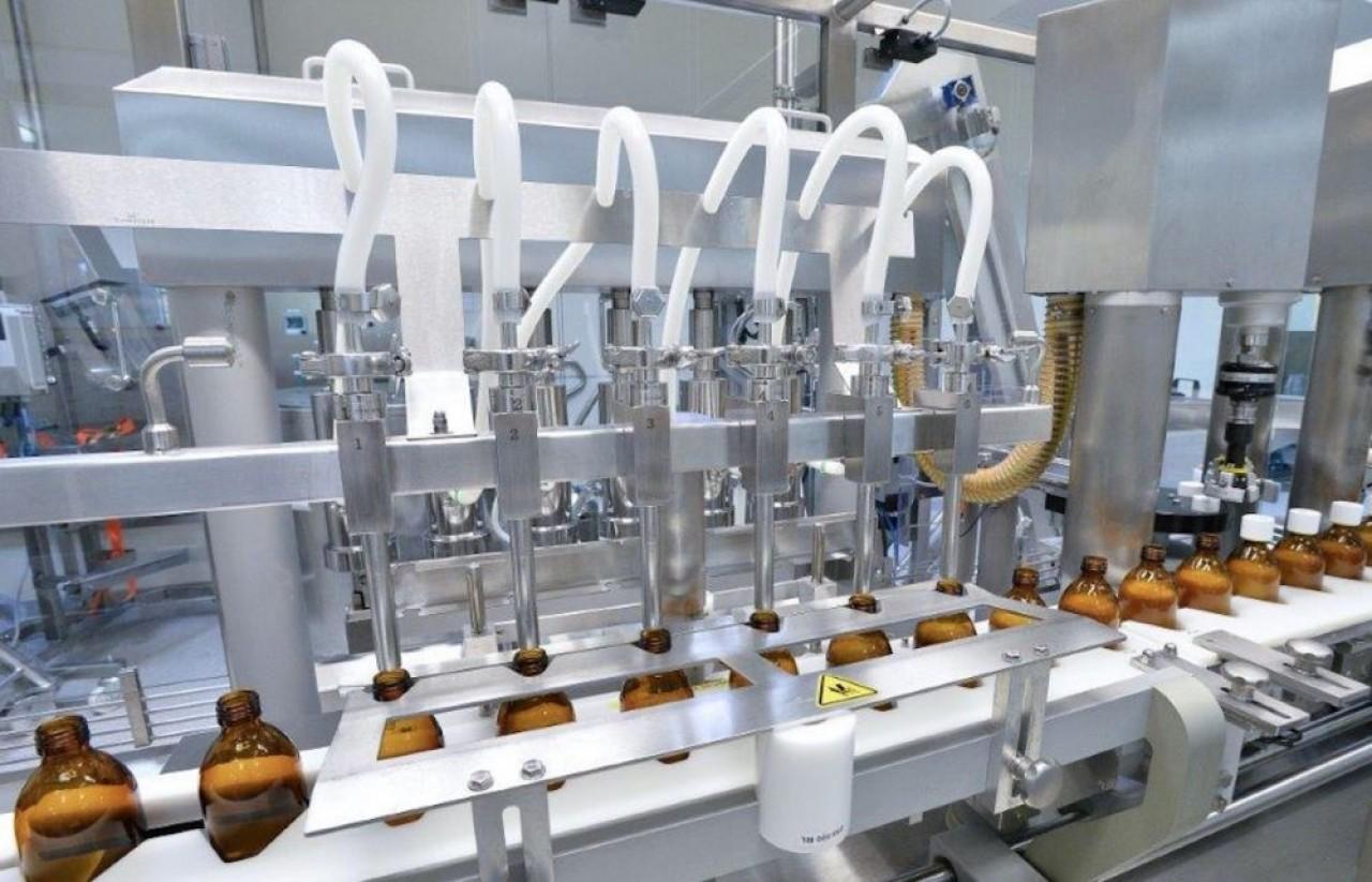 Delpharm à Huningue fabrique historiquement des médicaments sous forme liquide et semi-liquide. Un investissement de 5 millions d'€ ajoute une ligne de pommades et crèmes. ©Delpharm