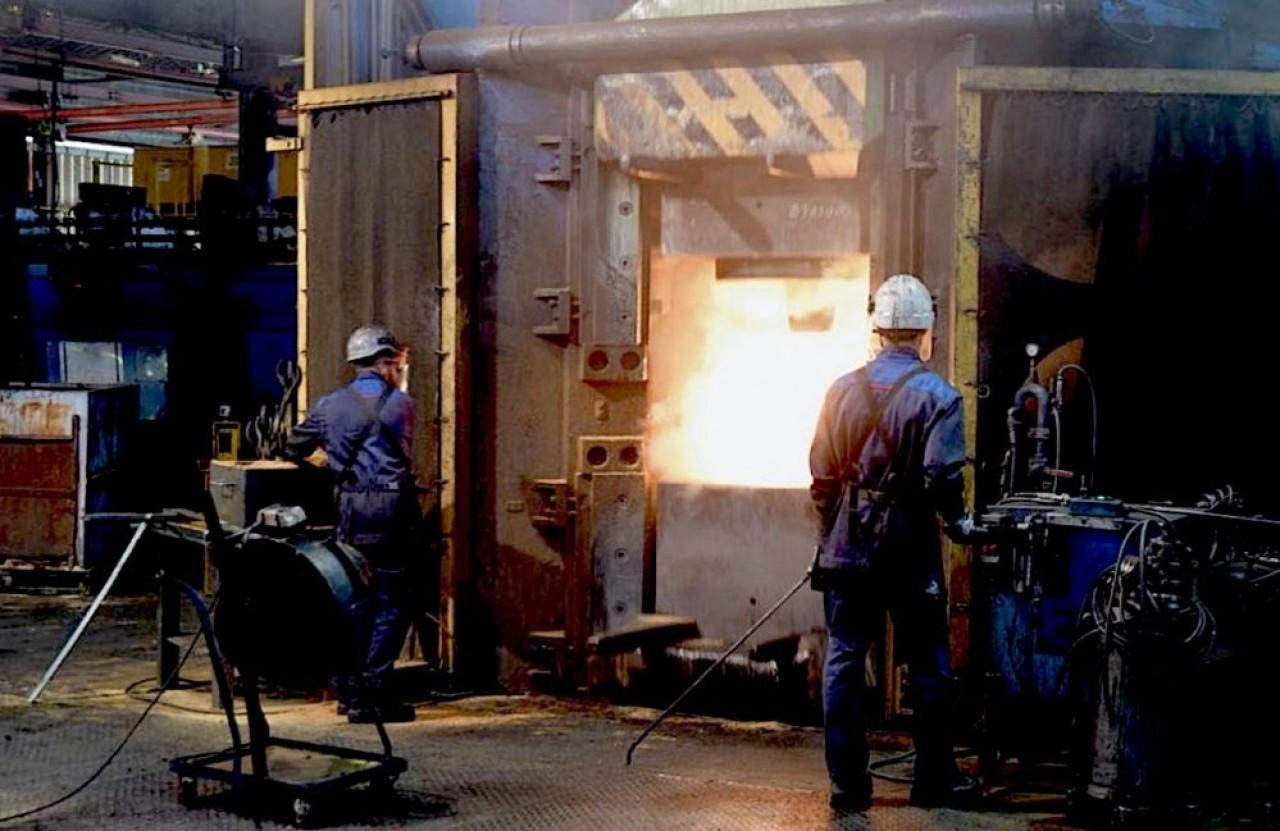 La nouvelle usine des Forges de Bologne est conçue pour travailler en ligne et réduire à moins de 200 mètres le parcours d'une pièce. L'usine historique se compose de 50 bâtiments. © Traces Ecrites