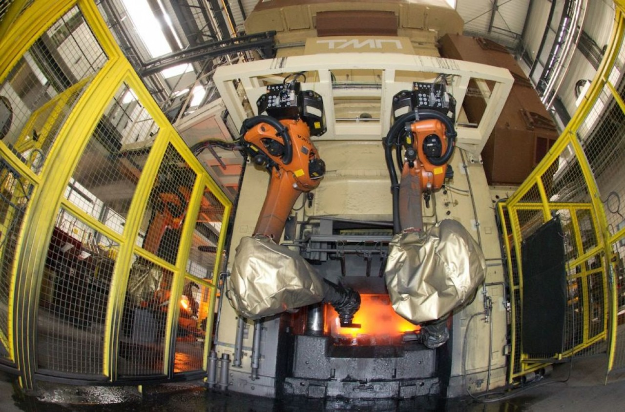L'une des presses 8.000 tonnes acquises par l'entreprise il y a quelques années. © Forges de Courcelles