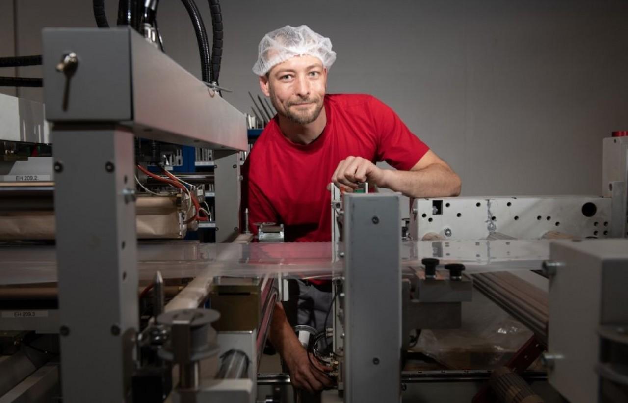 L'usine du Haut-Rhin est l'une des spécialistes de l'emballage du groupe suisse Behr Bicher Cellpack. Plus de 50% de son activité est consacrée aux films plastique. © Giannelli.