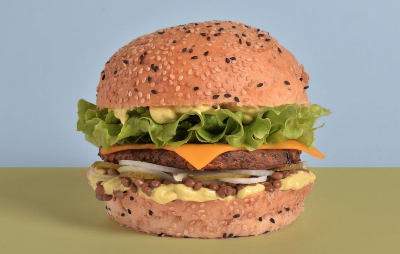 Forte de son succès à Strasbourg, l'enseigne Velicious Burger se développe en franchise.