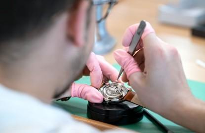 À Besançon, 50 ans après ses grandes heures, Lip recrée des emplois horlogers et booste SMB