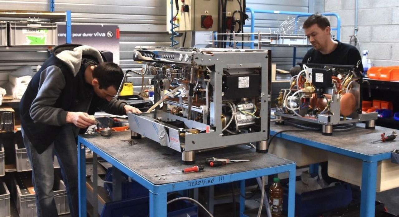 L'atelier de test des machines à café de Reneka à Rosheim, dans le Bas-Rhin. © Julie Giorgi