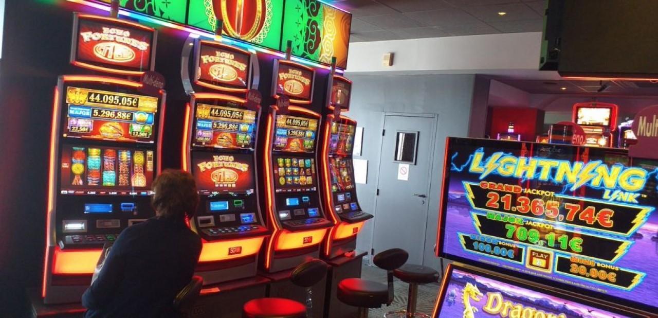 Le casino de Santenay, dit Casino des Sources, exploite 150 machines à sous. © Traces Ecrites