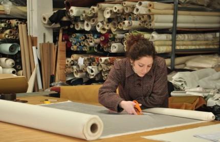 La pérennité de la manufacture de sièges Henryot & Cie passe par le renouvellement d'une main d'oeuvre hautement qualifiée