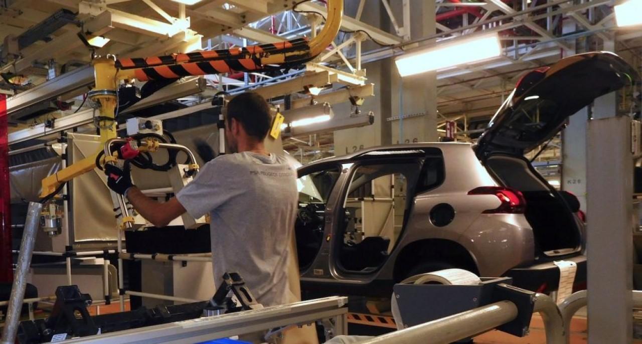 L'usine PSA de Mulhouse a arrêté ses lignes d'assemblage des véhicules hier 16 mars à  13 heures.  ©Traces Ecrites