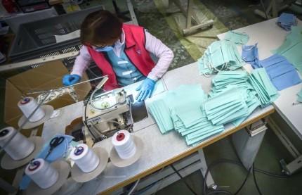 Mobilisée pour fabriquer des masques, la filière textile vosgienne espère un retour d'ascenseur