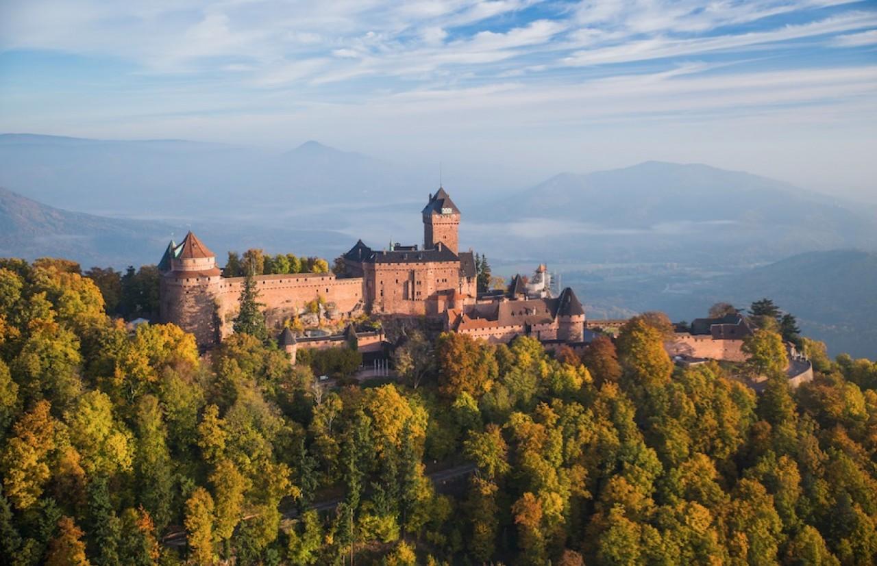 Le Château du Haut-Koenigsbourg, en Alsace : plus de 500.000 visiteurs par an. © Tristan Vuano