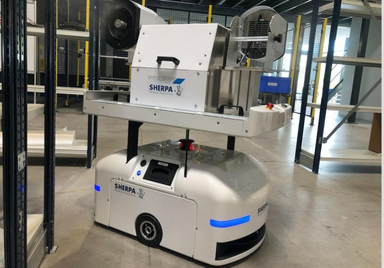 Le fabricant alsacien de robots Norcan a développé une solution de désinfection autonome avec le Nantais Devea. © Norcan