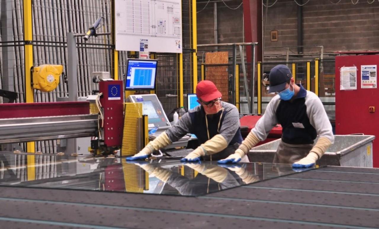 Le challenge pour Riou Glass VIE, en Meurthe-et-Moselle, consiste désormais à accroître les marchés de l'industrie et du «diffus» (menuisiers, vérandalistes, etc.). © Philippe Bohlinger