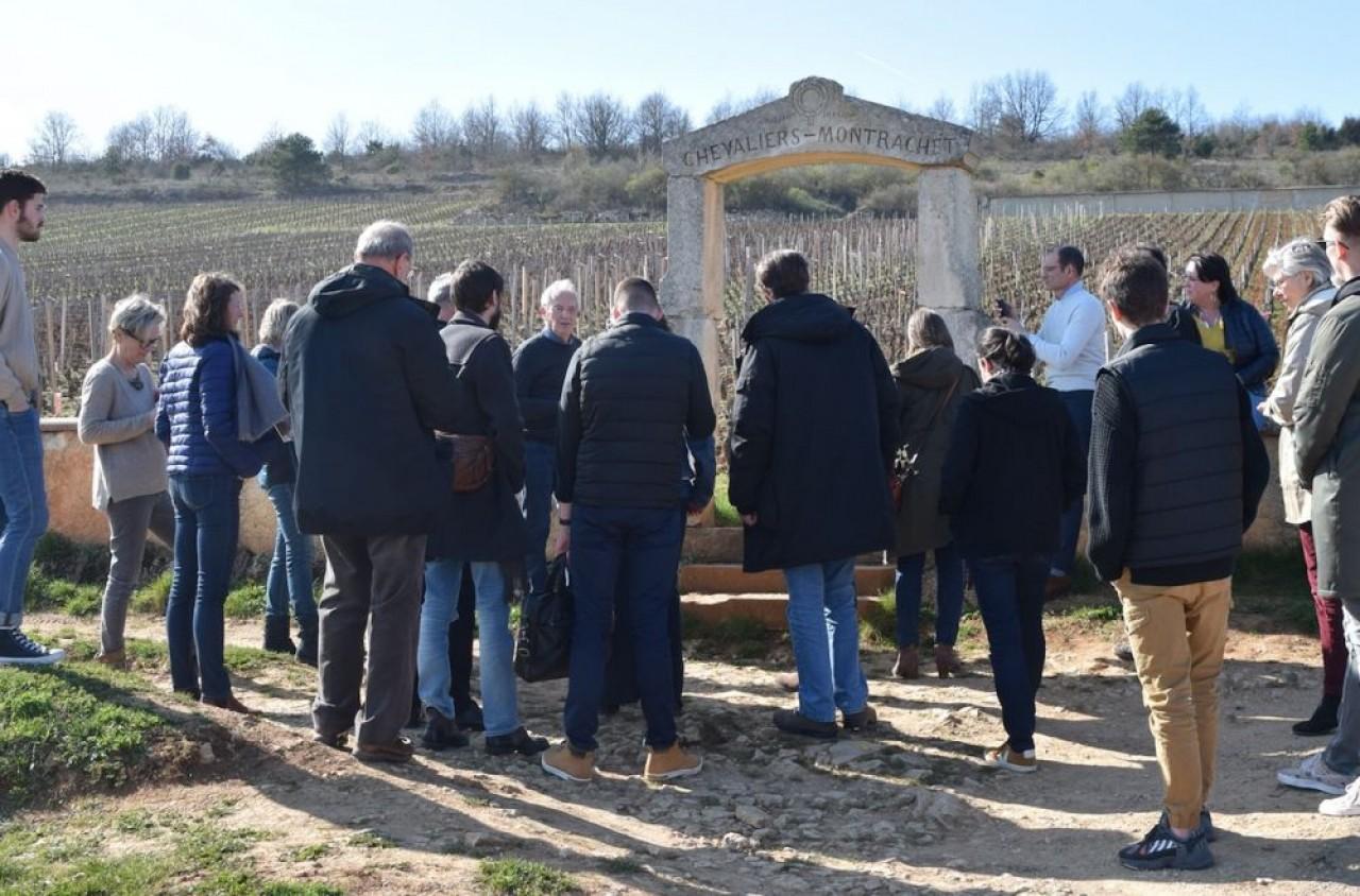 Le guide du Routard vient de sortir la première édition de l'Oenotourisme en Bourgogne et Jura. © Traces Ecrites