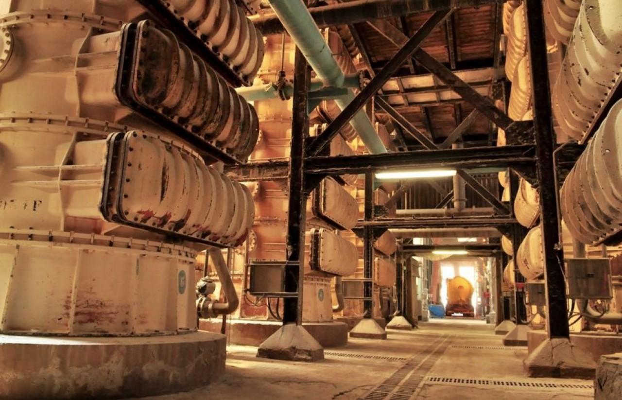Le fonctionnement des douze tours de décarbonation de Novacarb nécessite de la vapeur haute pression qui sera produite par cogénération biomasse, la combustion de déchets non recyclables et le gaz. © Philippe Bohlinger
