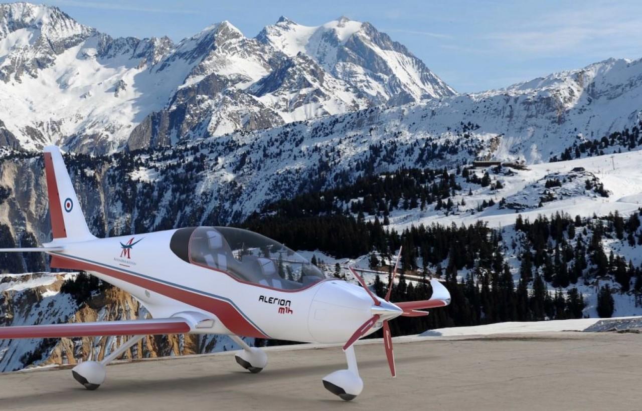 Alérion M1h a une autonomie de 3 heures, une distance franchissable de 600 km et une vitesse maximale de 250 km,/h décolle et atterrit sur 100 mètres, comme sur cette simulation en montagne. ©Avions Montboussin