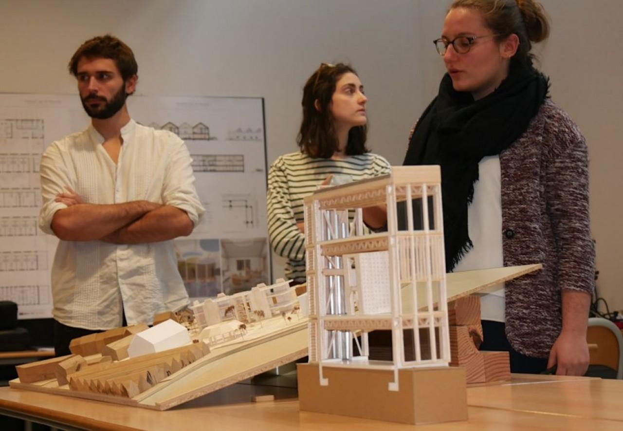 Dans sa quête d'innovation, LCB collabore avec l'Ecole d'architecture de Nancy et l'école d'ingénieurs Ensib à Epinal pour élaborer un cahier des charges sur le réemploi des bois dans la construction. © Ecole d'architecture de Nancy