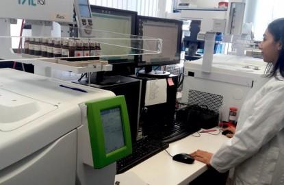 En Alsace, Adscientis prend la chromatographie en sens inverse