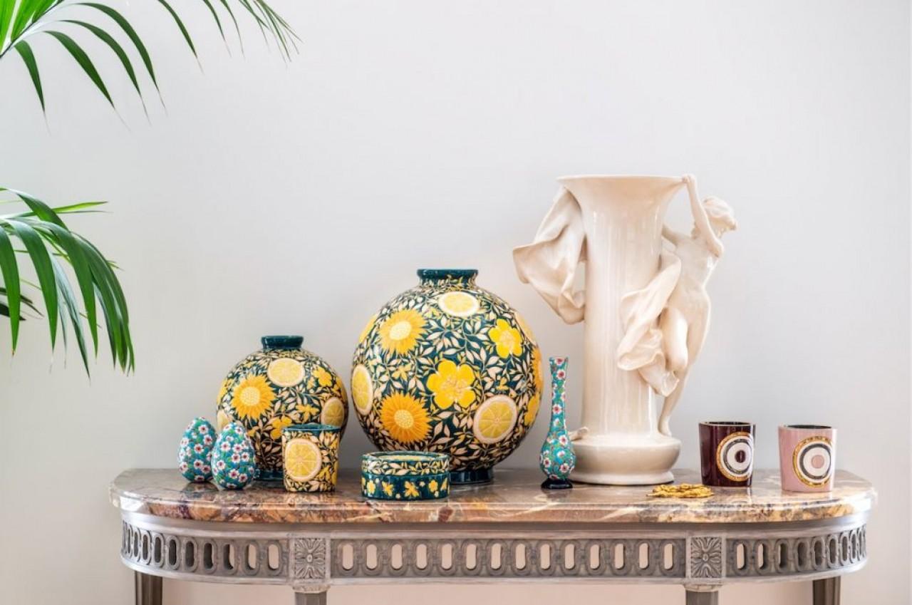 Les céramiques de La Manufacture des Emaux de Longwy se caractérisent par la technique de l'émaillage cloisonné.© Emblem / Anne-Emmanuelle Thion