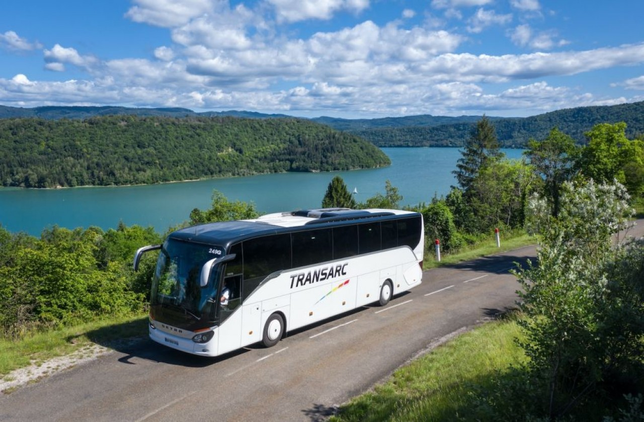 Transarc pointe parmi les trois premiers indépendants du transport routier de voyageurs de  en France.