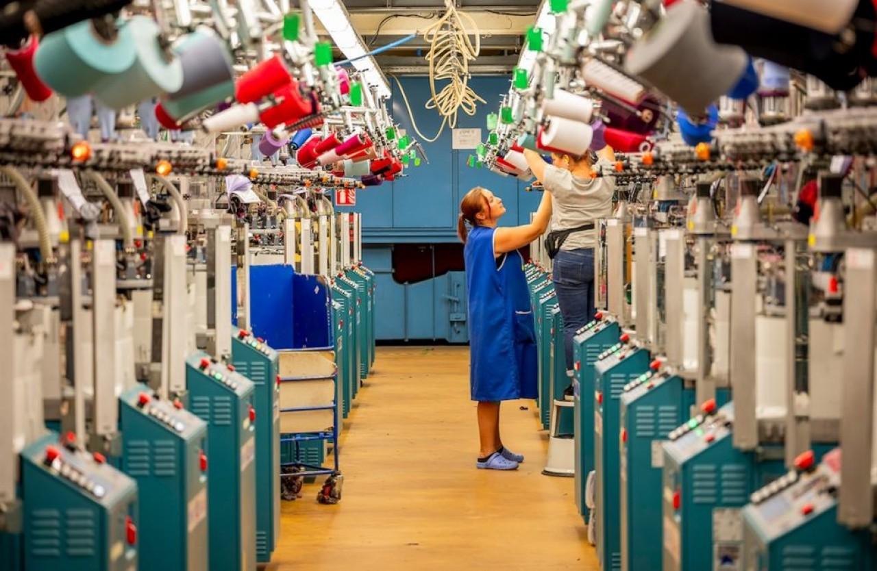 L'un des derniers fabricants français de chaussettes remet à plat sa stratégie de marque et de distribution pour résister aux prix bas importés. ©Labonal