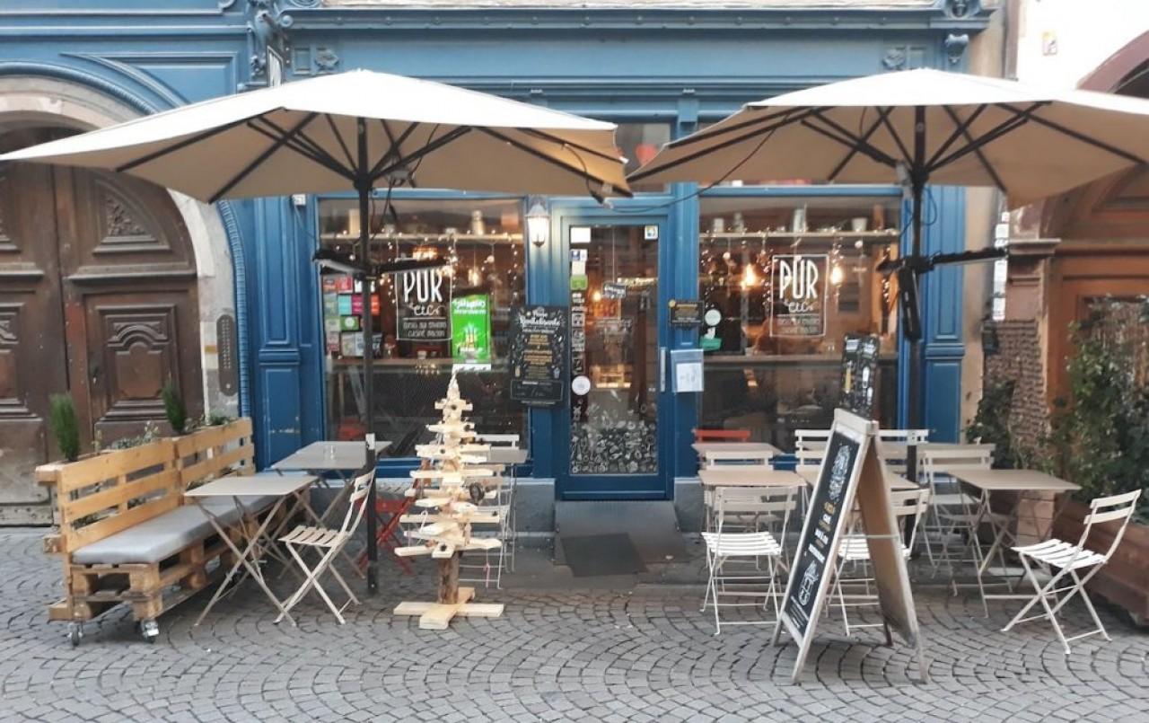 L'enseigne Pur etc., a dix restaurants en propre ou sous licence : six en Alsace ainsi  qu'un food truck, à Strasbourg, et trois dans la région parisienne.